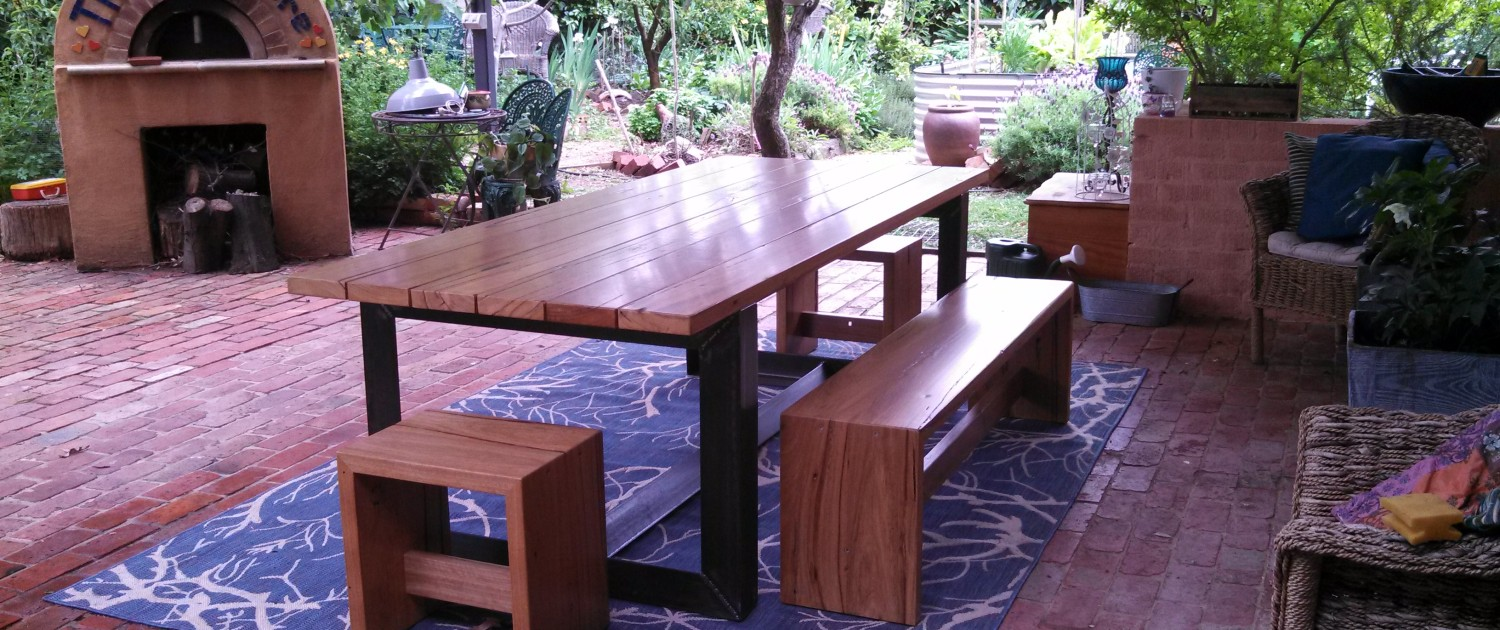 Messmate Outdoor Dining Setting
